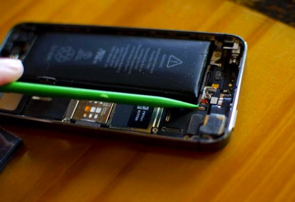 Вздутая батарея телефона